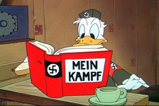 Der Fuehrer's Face (© Disney): Donald as worker in Nazi Germany