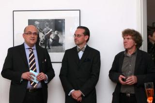 Lars Lindemann MdB, curator Martin Bayer, photographer Jürgen Graetz