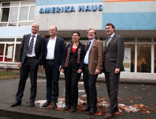 Sven Lemis (BIM), C/O Berlin-Vorstand Stephan Erfurt, Senatorin Sandra Scheeres, Staatssekretär André Schmitz, Burkhard Kieker (visitBerlin)