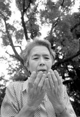 Setsuko Iwamoto, Überlebende der Atombombe, Hiroshima, Japan 2002 (© Marissa Roth)